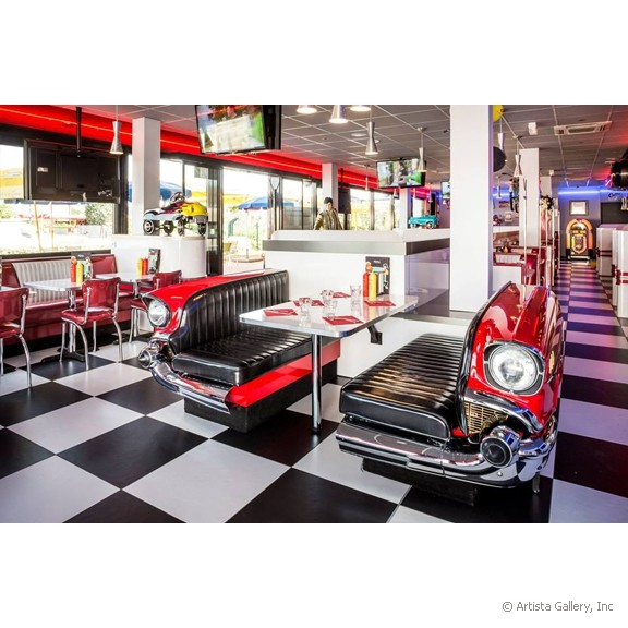 quarterback_american_house_restaurant_diner_car_booth