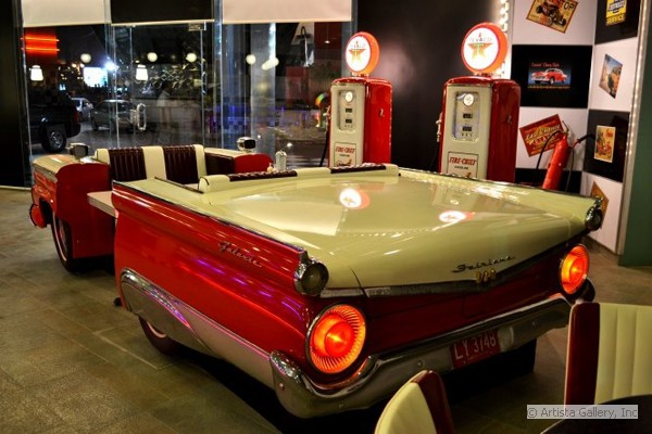 buds_road_diner_car_booth